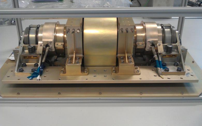 DTR-DM. Mecanismo de despliegue de radiadores térmicos