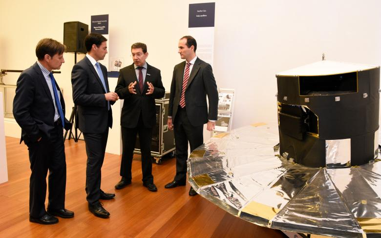 Inauguración de la exposición '50 años llenan nuestro Espacio'