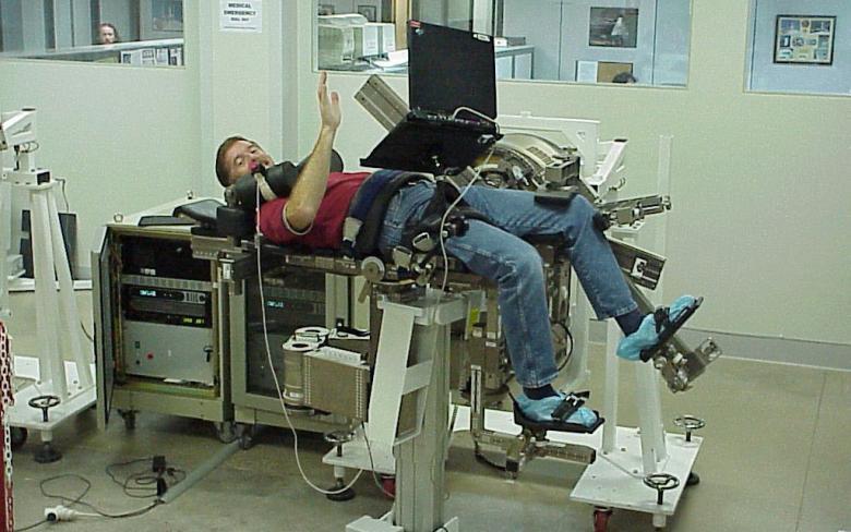 Pruebas en el Sistema para la investigación de la atrofia muscular y ejercitación (MARES).