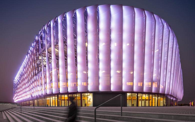 estadio luanda arena