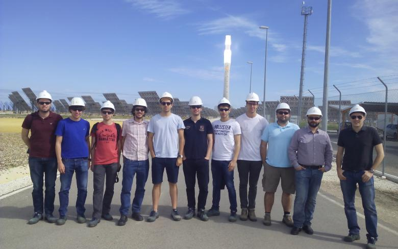 UPC student winners of SENER awards visit Gemasolar