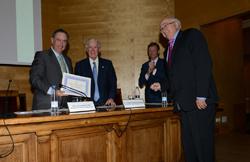 Enrique de Sendagorta es nombrado  Colegiado y Asociado de Honor del Colegio y la Asociación de Ingenieros Navales y Oceánicos de España