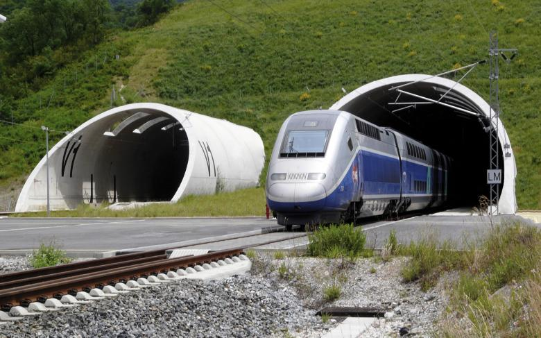 SENER is awarded the contract to analyse the Granada  high-speed train
