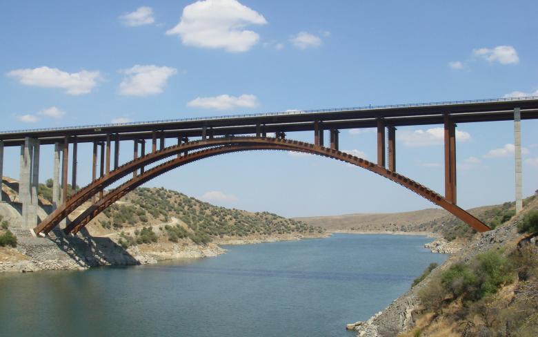 Viaducto de Alcontár