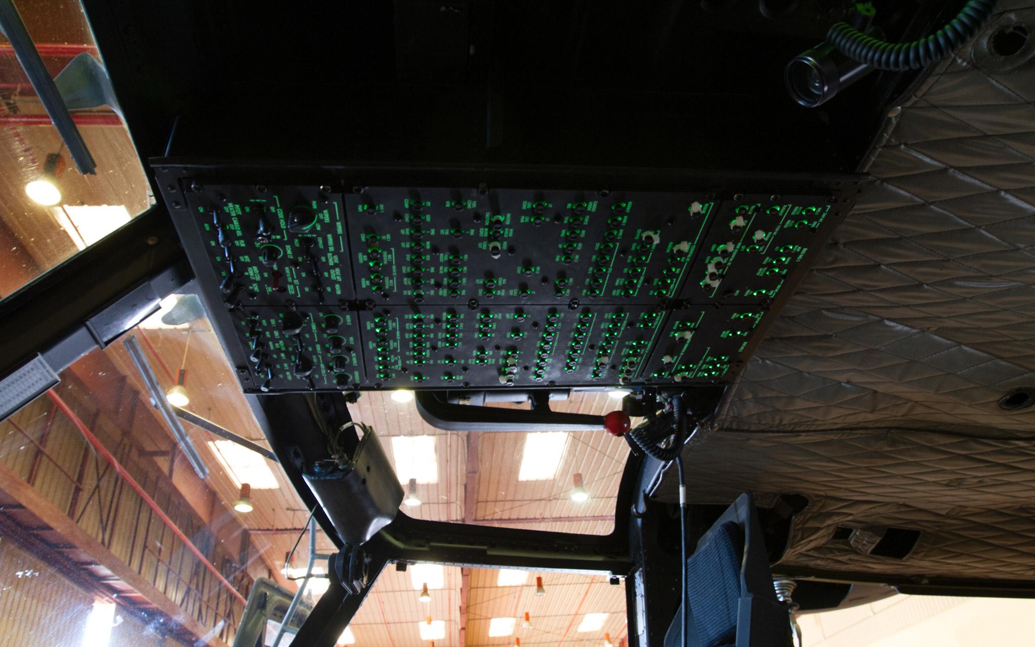 Cabina digital AB212 modernizado por SENER