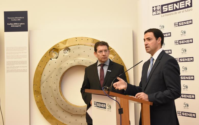 http://www.ingenieriayconstruccion.sener/ecm-images/inauguracion-expo-sener-50-anyos-llenan-nuestro-espacio