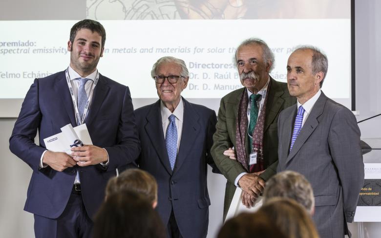 Telmo Echániz ganador del premio a la Mejor Tesis Doctoral de la Fundación SENER