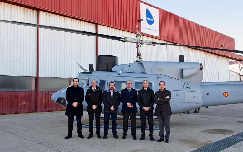 SENER y Babcock entregan a la Armada Española la quinta unidad del helicóptero AB-212 modernizado