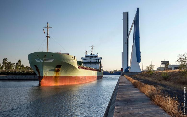 SENER and the Port of Seville begin work on digitizing  the navigable waterway