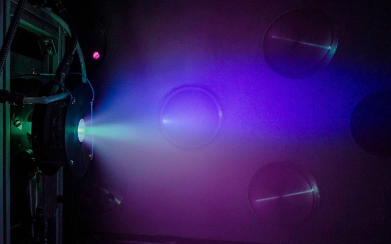 The ESA backs a new phase in the development of the helicon plasma thruster from SENER and the UC3M
