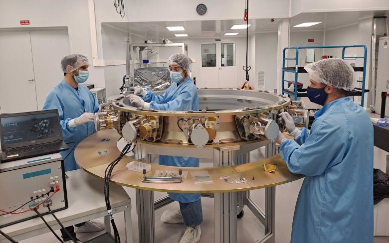 "SENER Aeroespacial's IBDM HCS ""Docking Complete"""