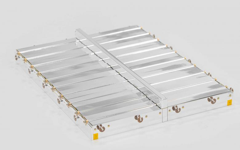 SENER Aeroespacial thermal louvers 20 blades